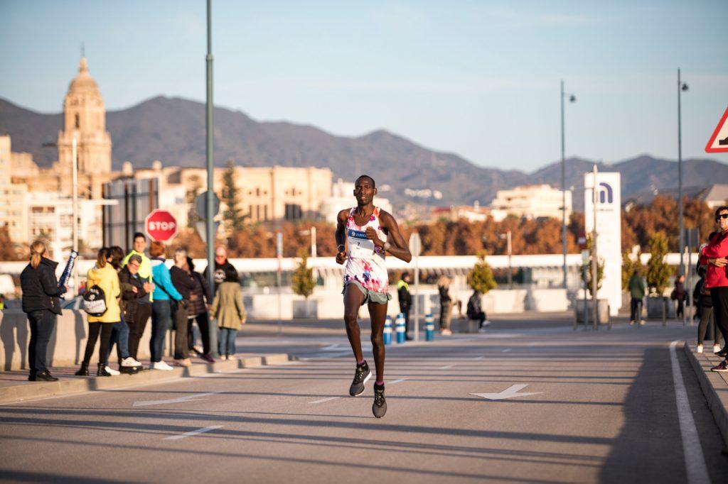 corredor maraton de malaga
