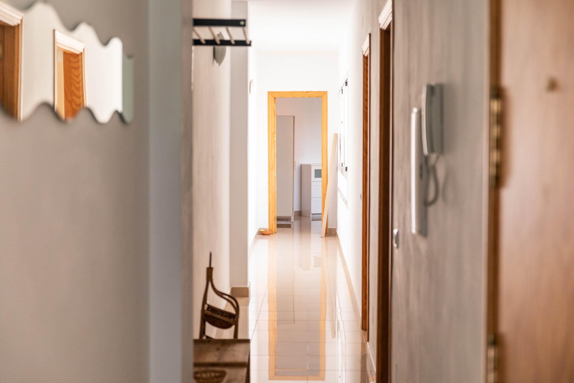 apartamento-clavel-pasillo-2