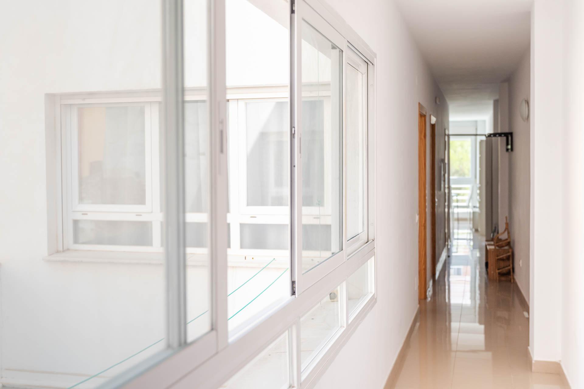 apartamento-clavel-pasillo