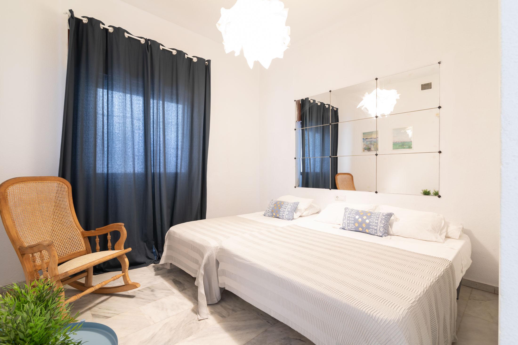 apartamento-plaza-merced-dormitorio
