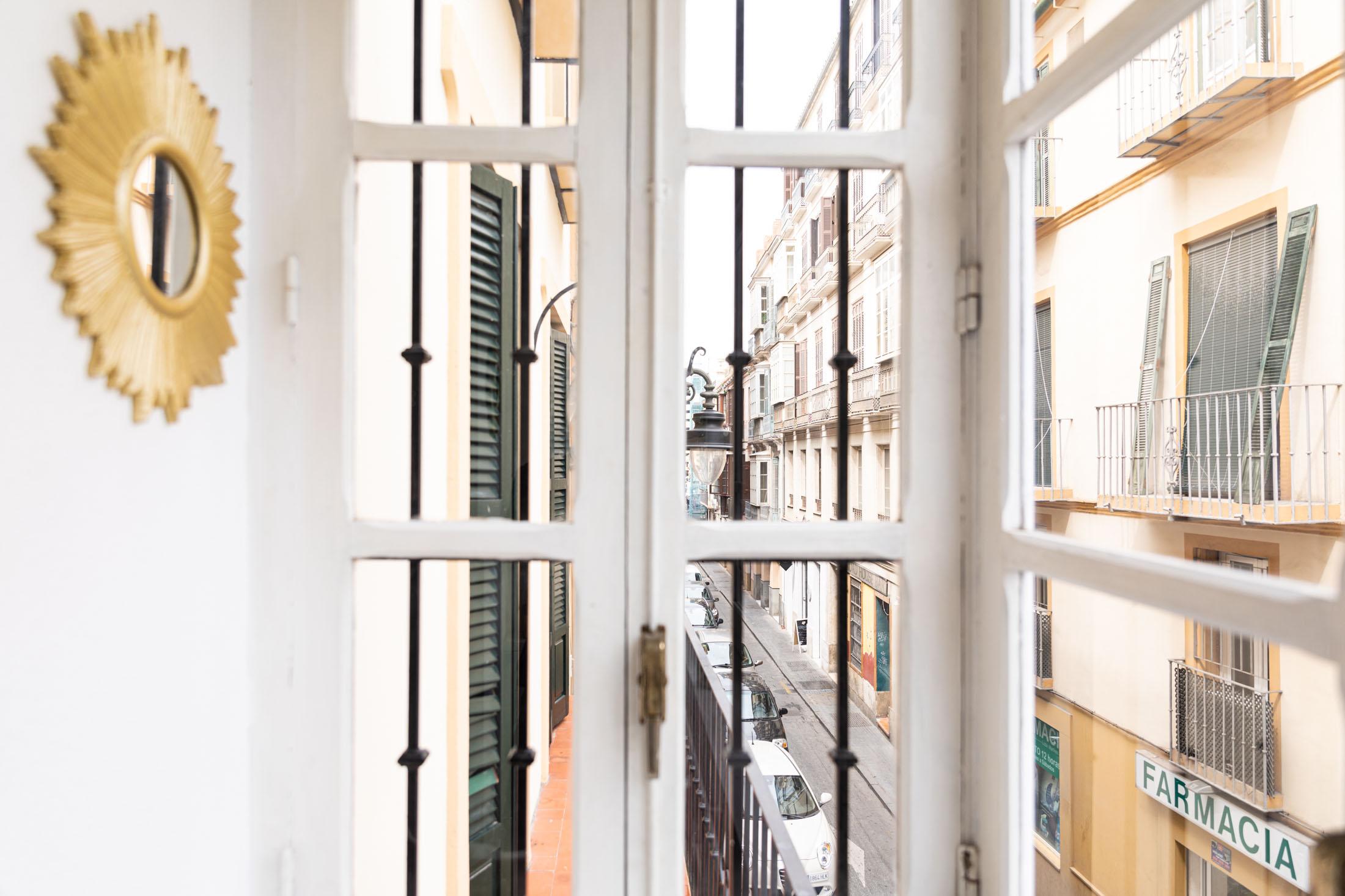 apartamento-plaza-merced-balcon