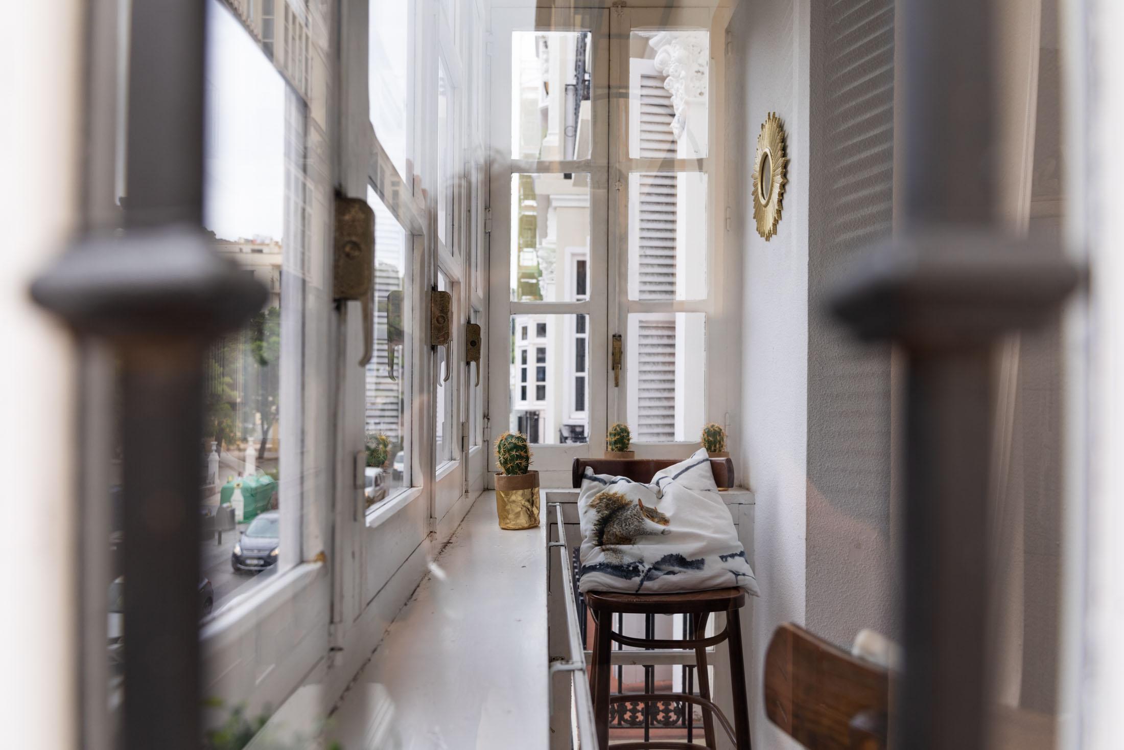 apartamento-plaza-merced-pasillo